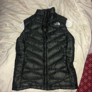 North Face Puffy Vest !! Black